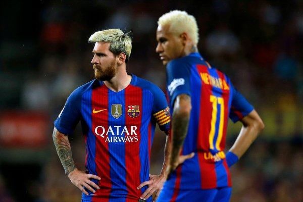 FC Barcelona's Lionel Messi, left, and Neymar look on during the Spanish La Liga soccer match between FC Barcelona and Alaves at the Camp Nou in Barcelona, Spain, Saturday, Sept. 10, 2016. (AP Photo/Manu Fernandez)
